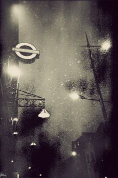 London in black and white By: Gavin Hammond