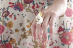 Sophia Cockatoo Ring