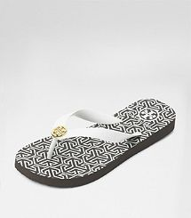 Comfy and Stylish! Tory Burch Basic Flip Flop