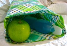You can stop buying paper bags and start packing your lunch in this reusable bag, made from a tablecloth. This tutorial is part 2 in my Upcycled Tablecloth series. craft, tablecloth, paper bags, reusabl bag, lunchbag, bag tutorials, buy paper, reusabl lunch, reusable lunch bags