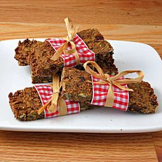 Peanut Butter Pumpkin Spice Granola Bars ~ super healthy and easy granola bars made right at home!