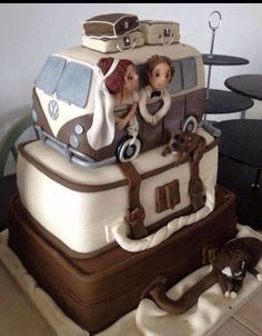 Awesome #kombicake #kombiweddingcake