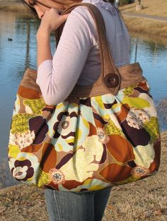 tote Bag - PDF Sewing Pattern - looks like the fossil bag!
