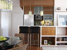 Arquiteta une sala com varanda e amplia apartamento de 60m² - Terra Brasil