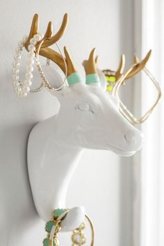 DIY Dip Dyed Antler Jewelry Holder. This white deer head was purchased at @HomeGoods and is a #HomeGoodsHappy way to organize jewelry!