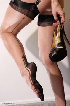 nylon stock, stock fetish, barefoot stock, seam stock, rick stock