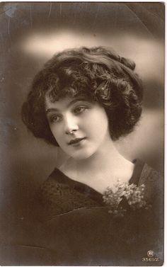 Lovely Edwardian Lady #Edwardian #woman #beautiful #hair #1910s #vintage