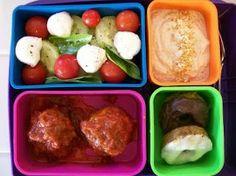 #Bento #BentoBox #Lunch #LowCarb http://theworldaccordingtoeggface.blogspot.com/2011/08/my-bento-box-rocks.html