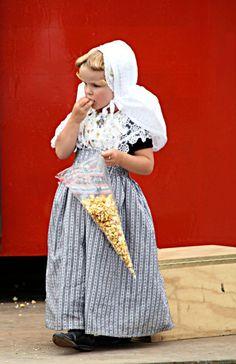 Dutch Traditional Costumes: Walcheren