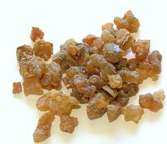 MYRRH RESIN: assists in physical healing and promotes feelings of happiness, strength and confidence.    Burn myrrh resin during meditation to help open the mind and achieve deep relaxation.