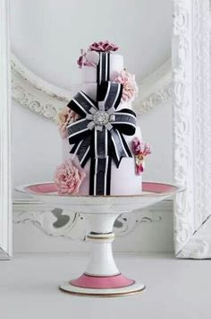 {Bridal Cake} Bow cake by Cake Opera Co. #bridal #wedding #weddingcake