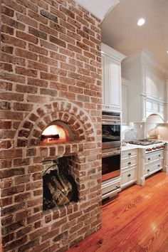 pizza oven in the kitchen!!! Dream home