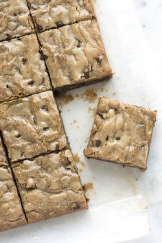 chocolate chips, brown sugar, dessert recipes, nofail blondi, food, caramels, cake desserts, blondi recip, blondies recipe