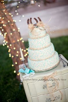 Country Wedding Cake, shabby chic, horse shoes, rafia, turquoise, cross, fondant, beautiful, branding irons