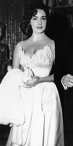 Elizabeth Taylor's  - 1956 @ Premier for Lust for Life. This would make a stunning wedding dress!