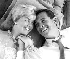 Rock Hudson and Doris Day peopl, dorisday, pillow talk, movi, rock hudson, doris day, rocks, pillows, classic