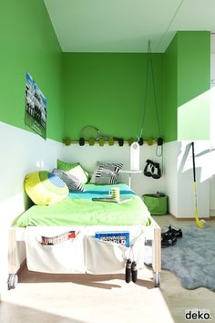 use a bold color on top ... d.'s room?