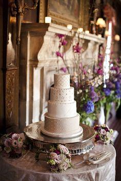 chic galleries, de severski, mansion, cakes, fondant cake, weddings, cake stands, floral designs, flower
