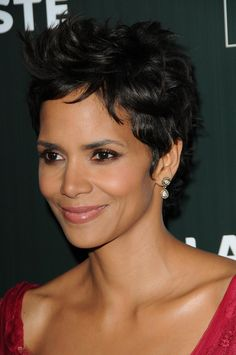 Halle Berrys perfectly tousled pixie