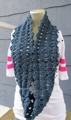 crochet mama's blog: Simple Shell Stitch Infinity Scarf *free pattern*