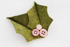 Vintage felt & button holly pin