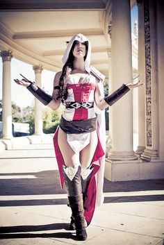 Cosplay Photoshoot: Female Assassins Creed by Mike Rollerson, via Flickr