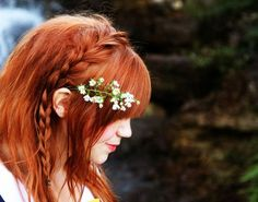 beautiful mess-one of my new favorite blogs.  May have to regrow my hair just so I can sport vintage.