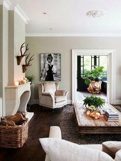 The low coffee table Keltainen talo rannalla: Tyyliä tiistaille