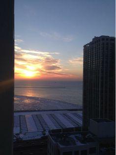 Chicago sunrise #todaysunrise pic.twitter.com/RqtS7pKlMO