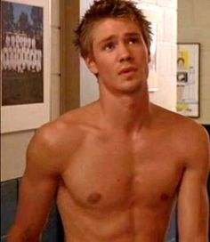 Chad Michael Murray- yum.