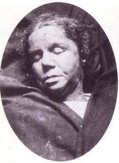 Alice McKenzie, 40, lived in a lodging-house at 52 Gun Street. This Day in History: Apr 03,1888: The first of 11 unsolved brutal murders occurs in Whitechapel.http://dingeengoete.blogspot.com/ http://photos.casebook.org/albums/v_mackenzie/normal_Mackenzie.jpg