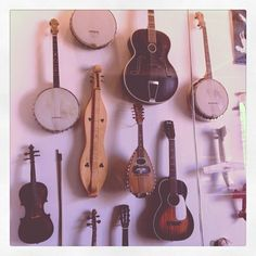 Obsessed with folk interments folk inter, wall decor, awesom wall, banjo obsess
