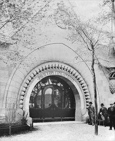 L'entrée du pavillon finlandais de l'Exposition universelle de 1900 à Paris