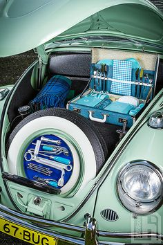 Love this... All trunks should be like this. Tony's Classic Volkswagen Beetle