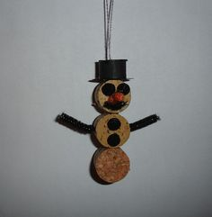 Wine Cork Snowman made from 1 Wine cork, some pipe cleaner, a few pom poms, and poster board for the hat.   Cong tac cham cam ung, {Bán công tắc cảm ứng Soloha tại Hà Nội|SOloha cung cấp sản phẩm Công tắc cảm ứng cho nhà thông minh. hot