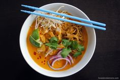 Doesn't that Thai Curry Chicken Noodle Soup (Khao Soi) sound great? Here is a recipe from blogger #FoxesLoveLemons #recipes #food #marukan #vinegar