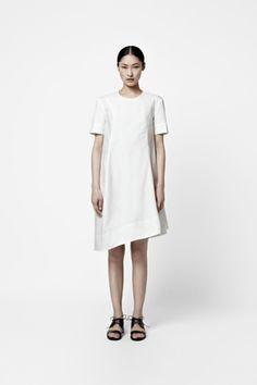 Curved seam dress - Cos / Perfect summer work dress