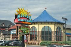 Mellow Mushroom - This place has great food and a great variety! Even for the picky eaters, the healthy eaters or the meat lovers, there is something for everyone!