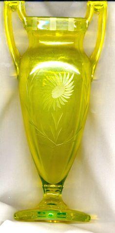 glass urn, vaselin glass, depress glass