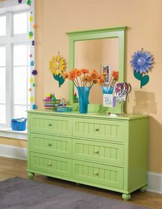 this spring green dresser makes me ready for warmer weather!