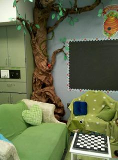 Clutter-Free Classroom: love the fake tree!!