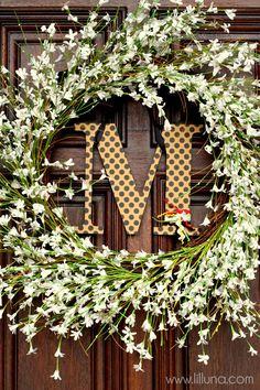 EASY Monogram Wreath Tutorial #wreath