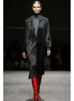Natasha Poly http://www.vogue.fr/mode/mannequins/diaporama/les-mannequins-du-numero-de-mars-2014-de-vogue-paris-lara-stone-toni-garrn-malgosia-bela-karlie-kloss-anna-ewers-natasha-poly/17880/image/986184#!natasha-poly