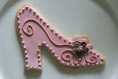 fancy shoe sugar cookie (royal icing)