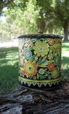 Vintage Tea Tin with Flowers by Daher, Made in England. $9.50, via Etsy.
