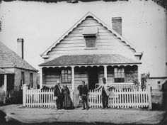 An unidentified family in front of a house on Margaret Street, Brisbane, Australia, ca. 1871. #Victorian #vintage #houses #families #Australia