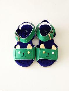 the kitty sandal
