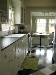 Great linoleum floor. like the cabinets and countertop