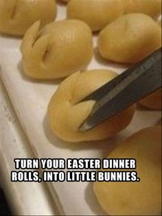 Easter idea turns rolls to bunnies (Picture only.  Picture describes method pretty well) #food #drink