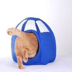 TARDIS Cat Bed